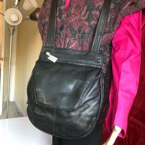 Tignanello leather crossbody bag. EUC.